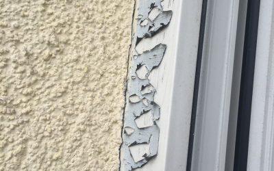 Jak usunąć starą folię ochronną z okien?